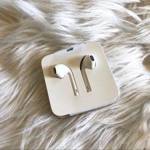 Apple Headphones NWT